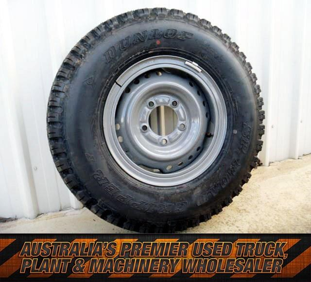 workmate toyota landcruiser tyres 431210 001