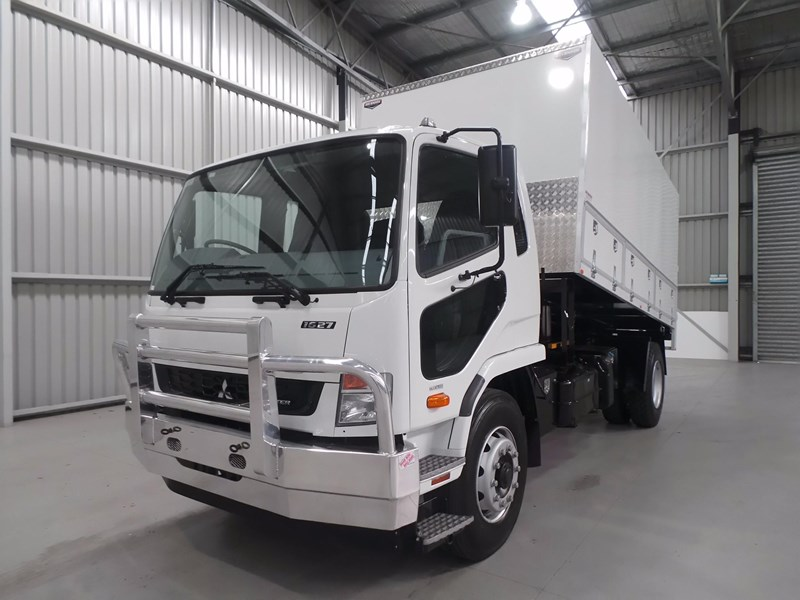 fuso fighter 1627 430856 010