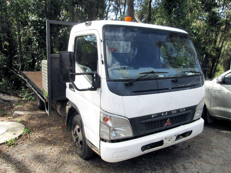 fuso canter 433471 001
