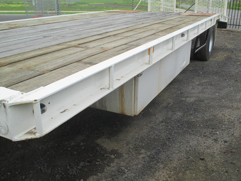 tag-a-long trailer with beaver tail 433519 005