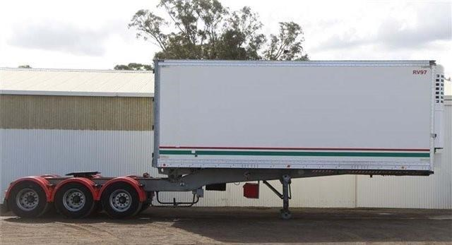 southern cross southern cross 12 pallet refrigerated roll back pantech semi a trailer 433555 001