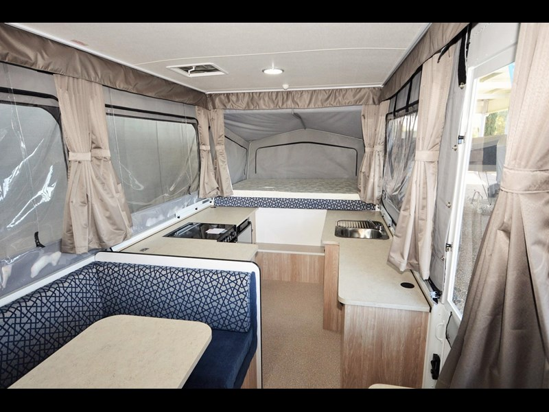 goldstream rv sandvan / sundowner 412004 007