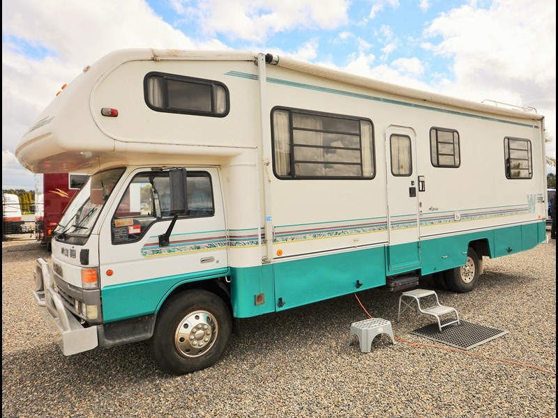 mazda winnebago alpine 428651 001