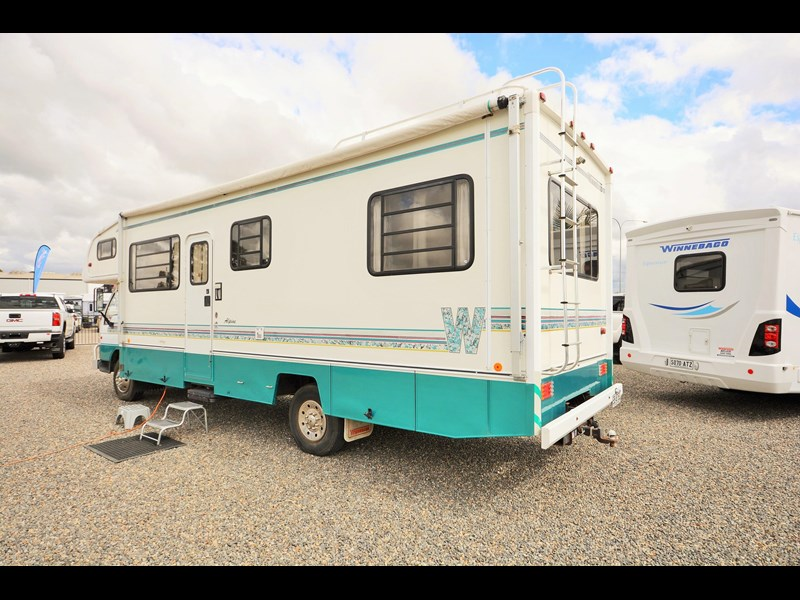 mazda winnebago alpine 428651 002