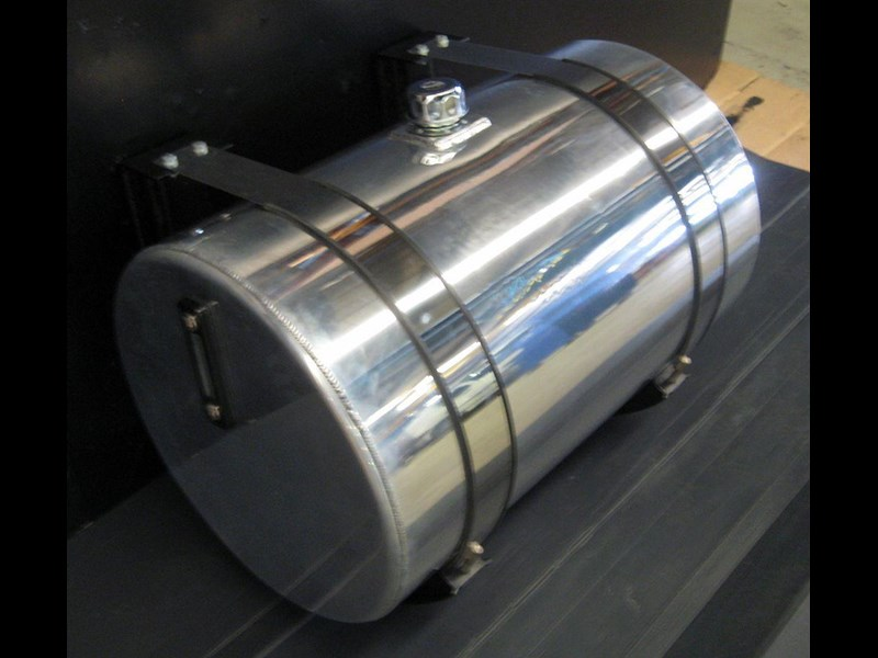 hydraulic oil tanks - polished alloy 18292 007