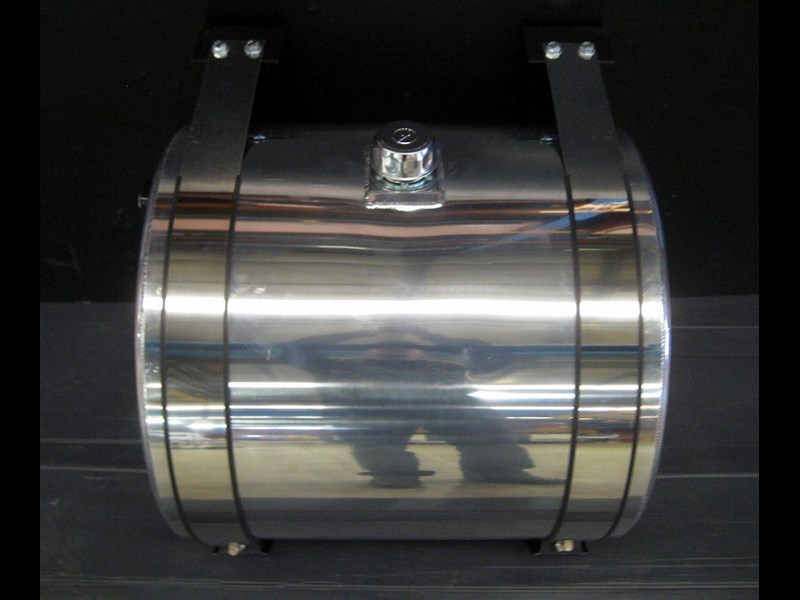 hydraulic oil tanks - polished alloy 18292 011