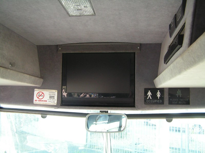 man coach design 16 290 hp 435407 023