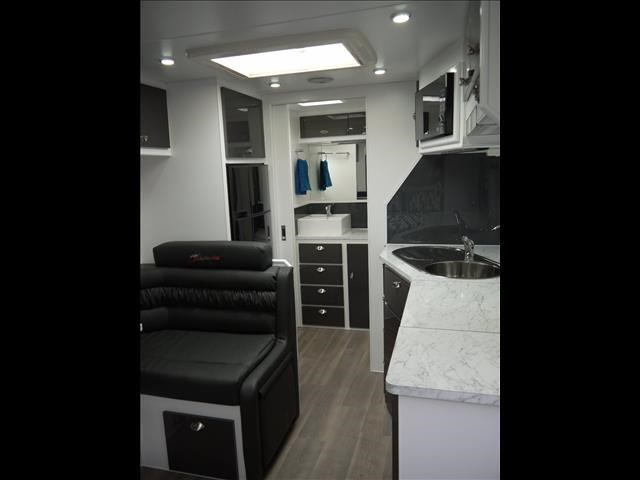 masterpiece caravans performance 20' c/door 435464 003