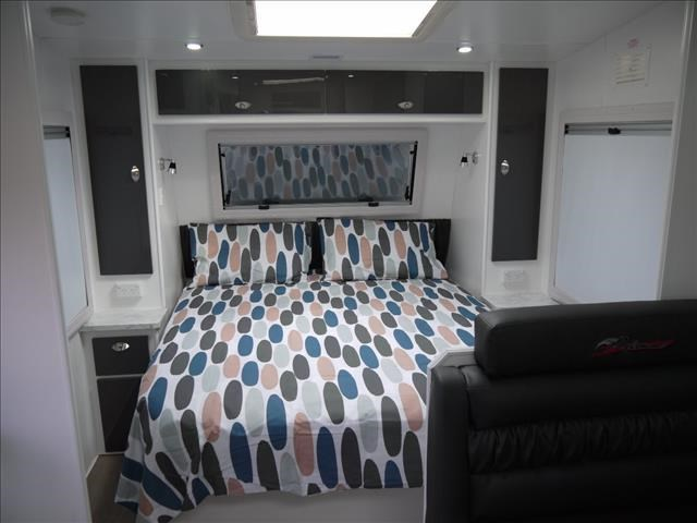 masterpiece caravans performance 20' c/door 435464 005