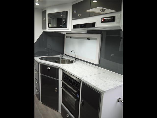 masterpiece caravans performance 20' c/door 435464 019