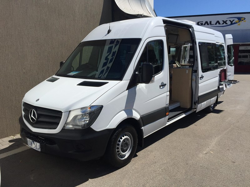 mercedes-benz sprinter 313cdi kea 3 berth 411745 033