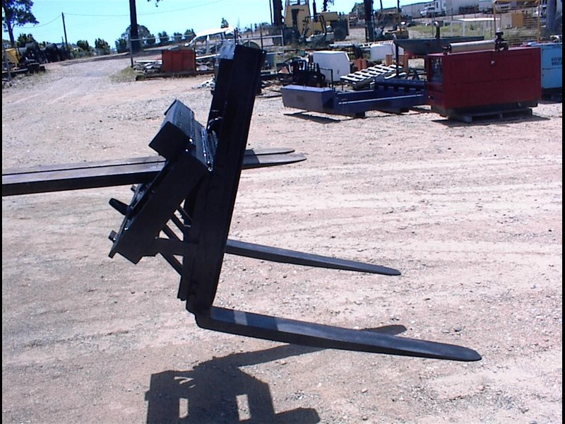 unknown pallet forks to suit skid steer 435803 003