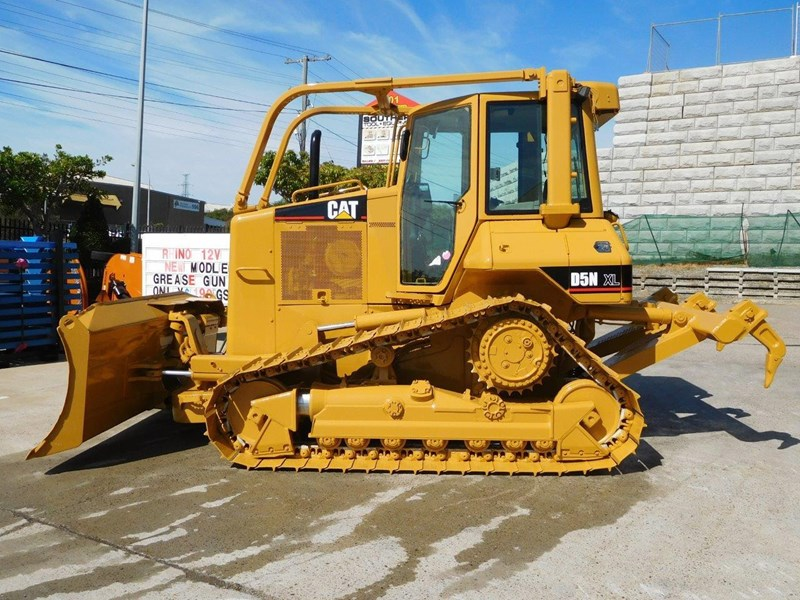 caterpillar #2217d cat d5 dozer d5n.xl bulldozer with ac cab & brush guard [low hours] [machdoz] 436684 006