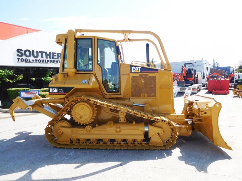 caterpillar #2217d cat d5 dozer d5n.xl bulldozer with ac cab & brush guard [low hours] [machdoz] 436684 007