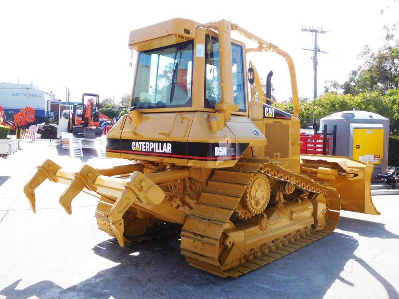caterpillar #2217d cat d5 dozer d5n.xl bulldozer with ac cab & brush guard [low hours] [machdoz] 436684 009