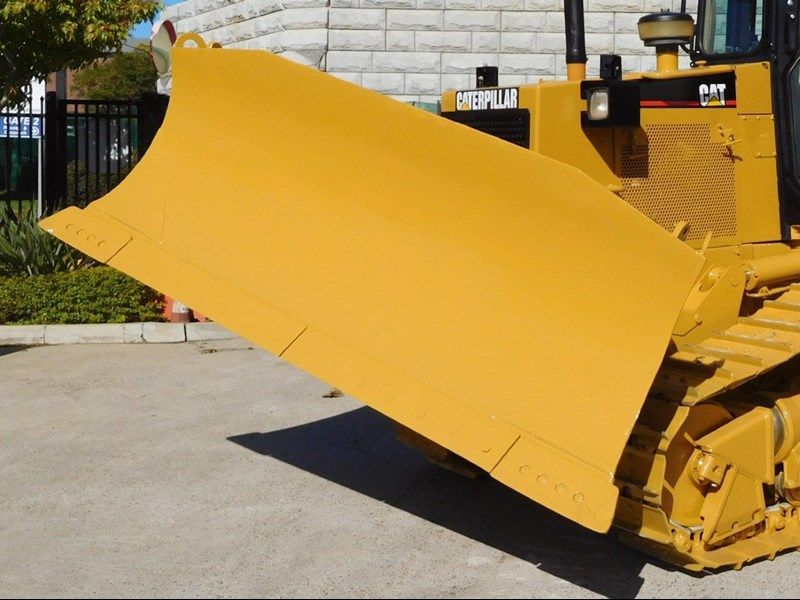 caterpillar #2217d cat d5 dozer d5n.xl bulldozer with ac cab & brush guard [low hours] [machdoz] 436684 012