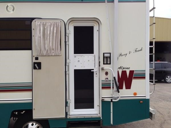 winnebago (apollo) alpine 433496 002