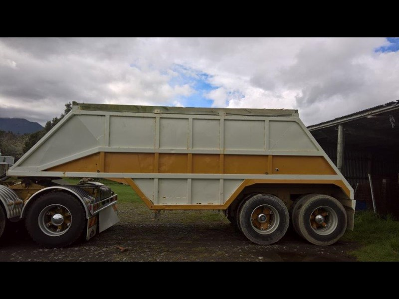 domett 2 axle bottom dumper 299053 011