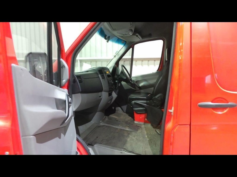 mercedes-benz sprinter 311 cdi 431957 013