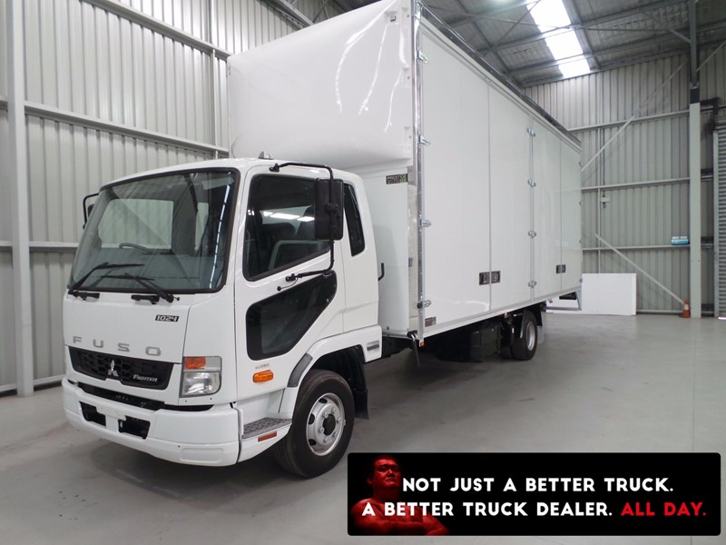 fuso fighter 1024 430897 001