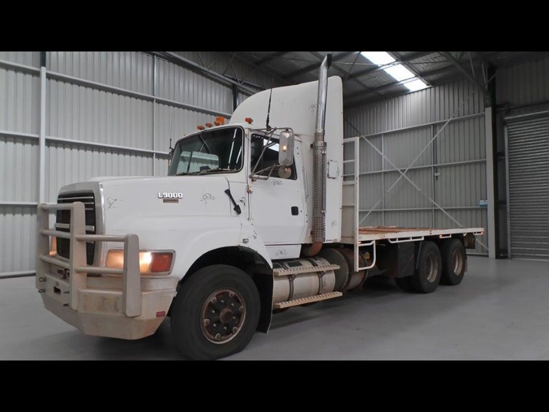 ford ln9000 411011 001