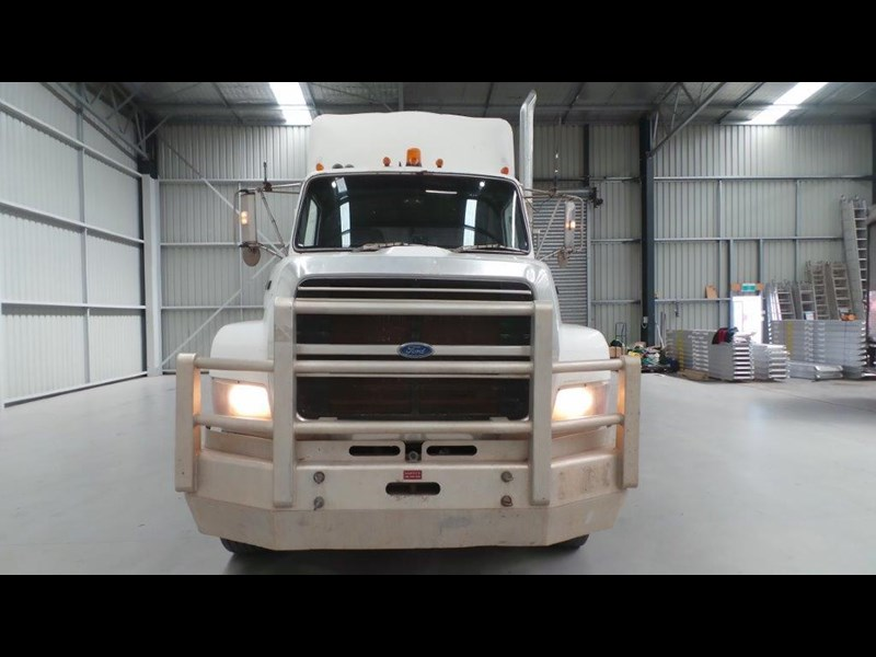 ford ln9000 411011 013