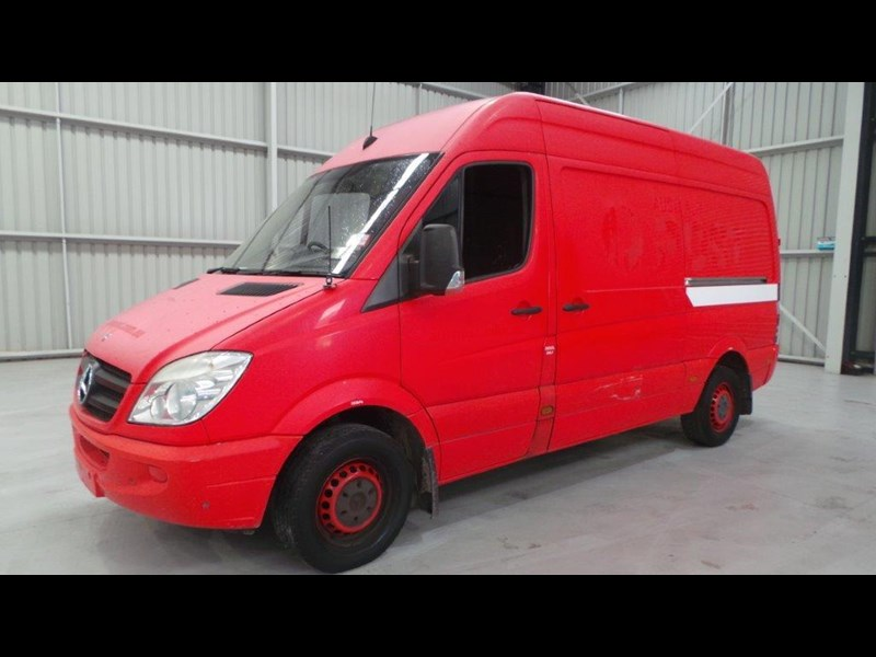 mercedes-benz sprinter 311 cdi 431954 001