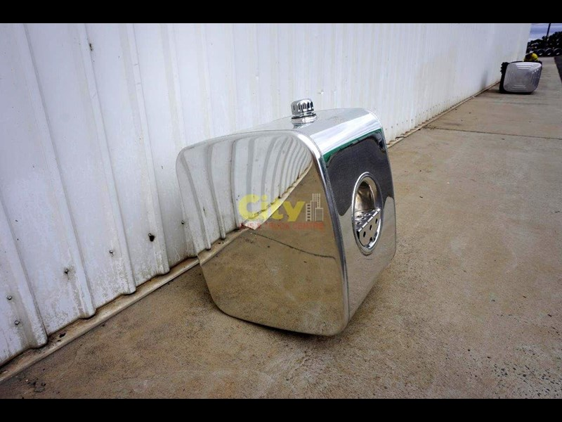 hydraulic oil tanks new kenworth polished alloy hyd oil tank 440048 003