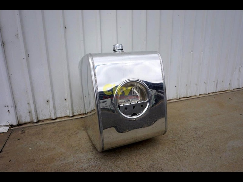 hydraulic oil tanks new kenworth polished alloy hyd oil tank 440048 005
