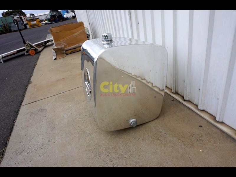 hydraulic oil tanks new kenworth polished alloy hyd oil tank 440048 013