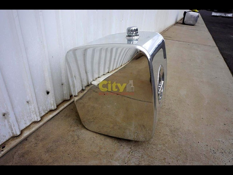 hydraulic oil tanks new kenworth polished alloy hyd oil tank 440048 015