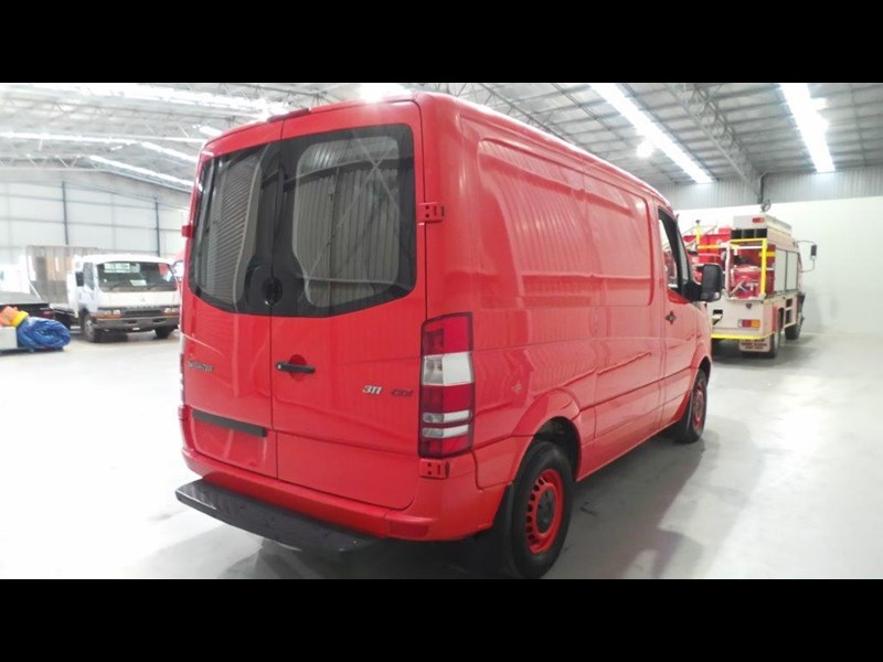 mercedes-benz sprinter 311 cdi 431943 009