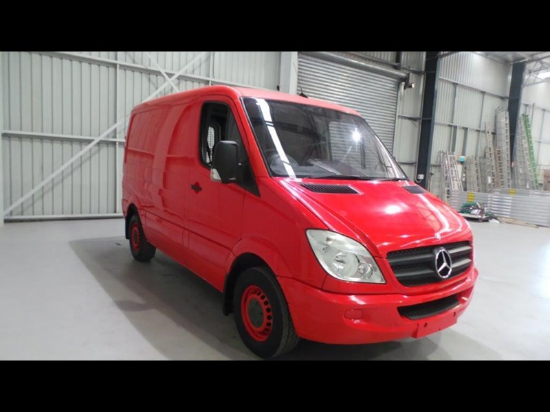mercedes-benz sprinter 311 cdi 431943 011