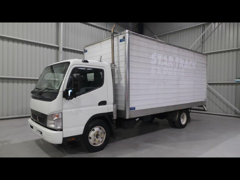 fuso canter 4.0t 431577 001