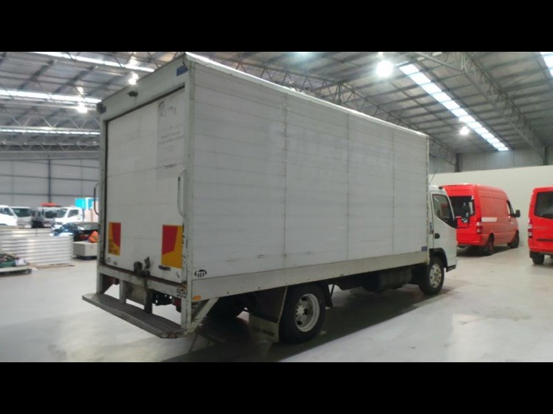 fuso canter 4.0t 431577 007