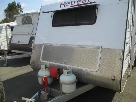 retreat caravans brampton 443095 003