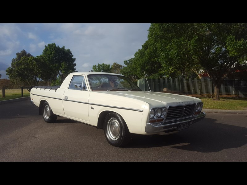 chrysler valiant 444473 011