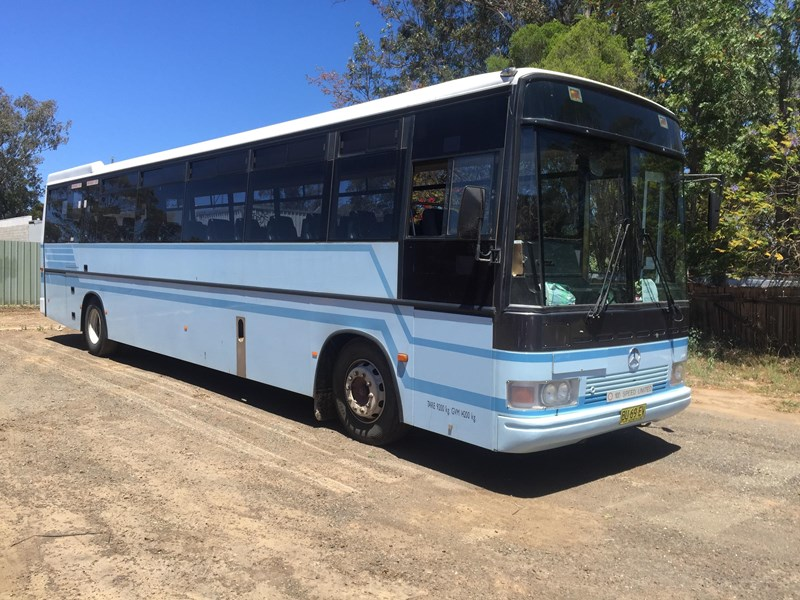 mercedes-benz oh1418 bus, 1998 model 443709 003