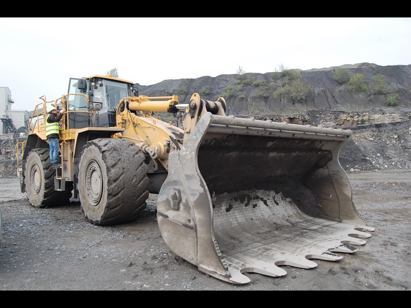 boss attachments boss italia 100-150 ton mine spec rock buckets 447410 015