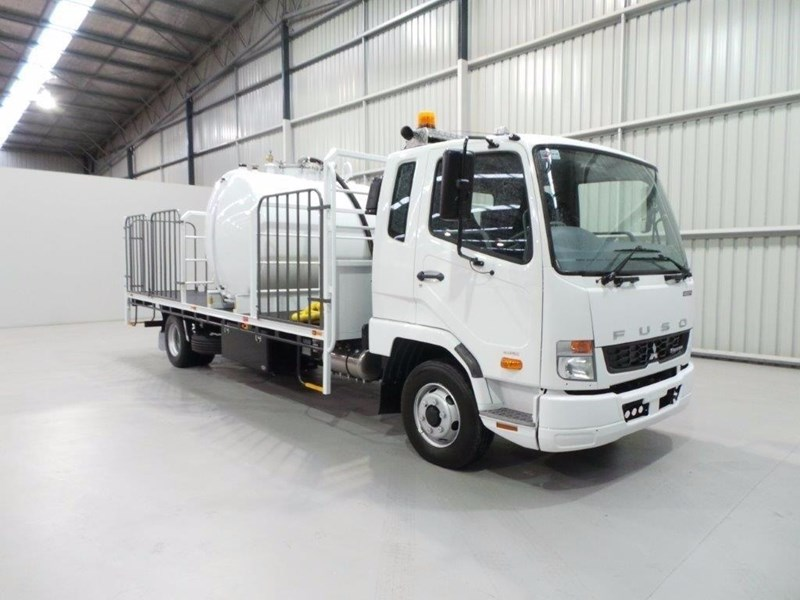 fuso fighter 1024 399108 063