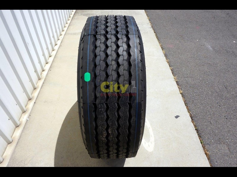 other 10/285 11.75x22.5 super single rim & tyre package 448576 009
