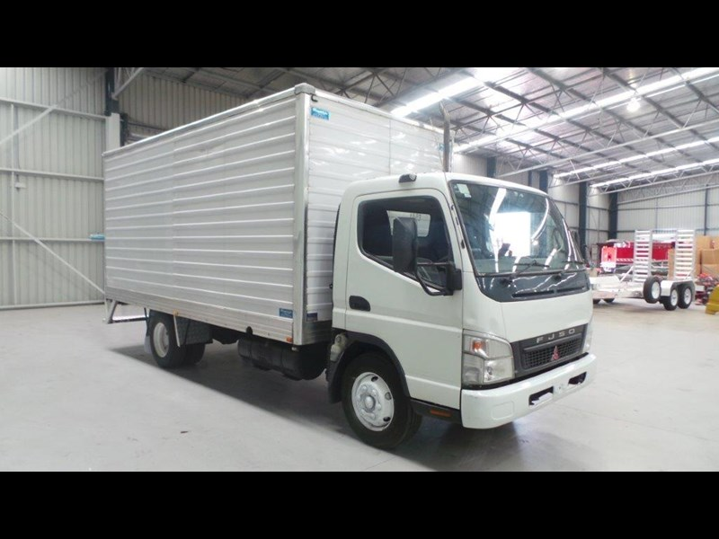 fuso canter 431682 006