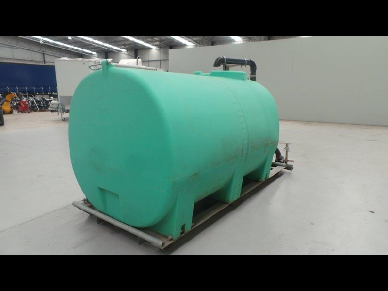 workmate 4000 litre poly tank 367305 007