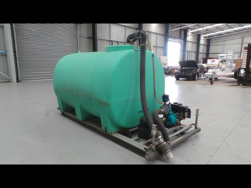 workmate 4000 litre poly tank 367305 009