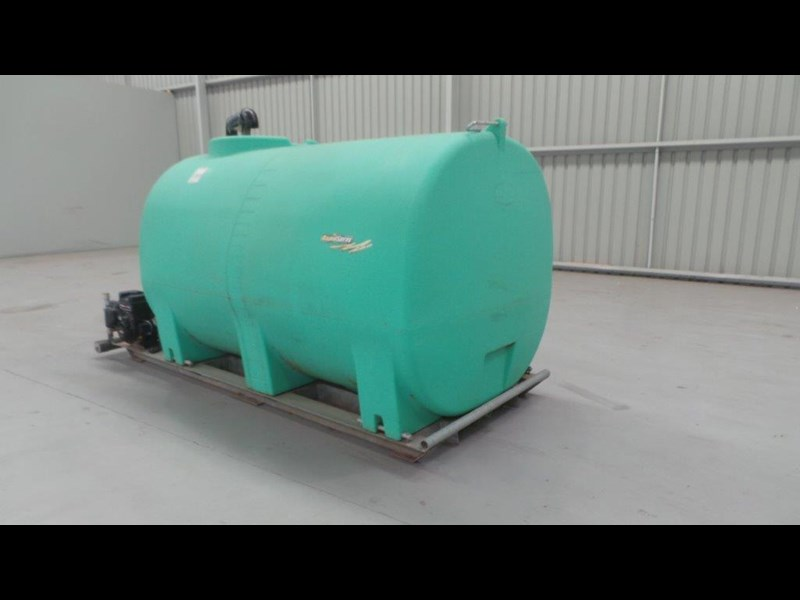 workmate 4000 litre poly tank 431346 003