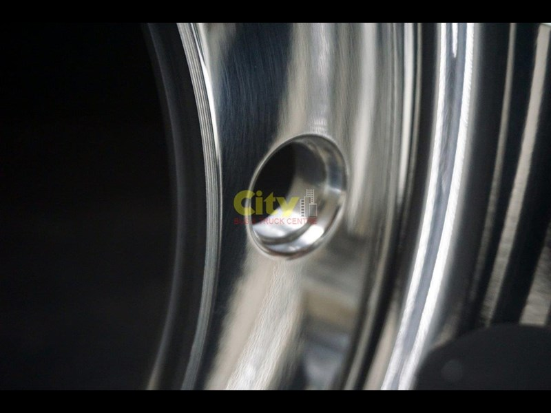 alcoa 10/335 8.25x22.5 polished alloy volvo only 451291 015