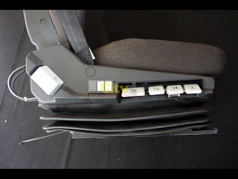 air suspension seat - pictured to suit iveco mp4500 451439 009