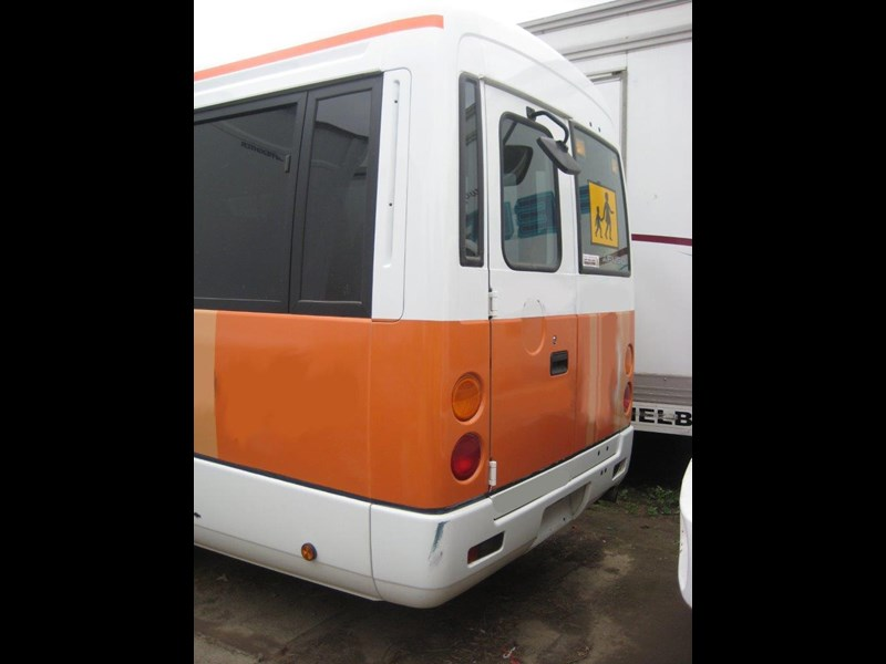 mitsubishi rosa buses various years & models - now wrecking 451578 019