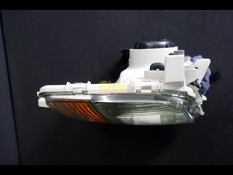 headlights suit mitsubishi fighter 2008 model onwards 452240 017