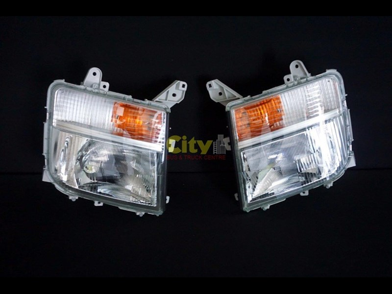 headlights suit mitsubishi fighter 2008 model onwards 452240 023